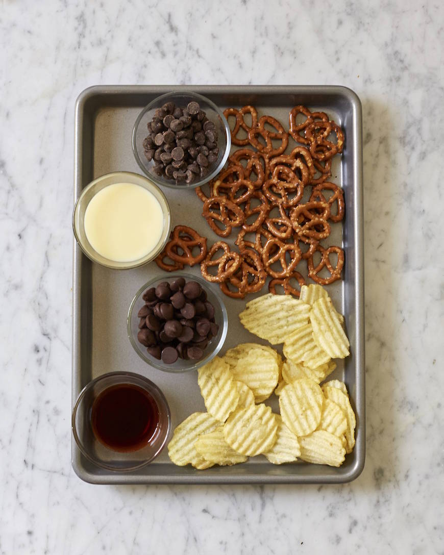 Potato Chip & Pretzel Fudge from www.whatsgabycooking.com (@Whatsgabycookin)