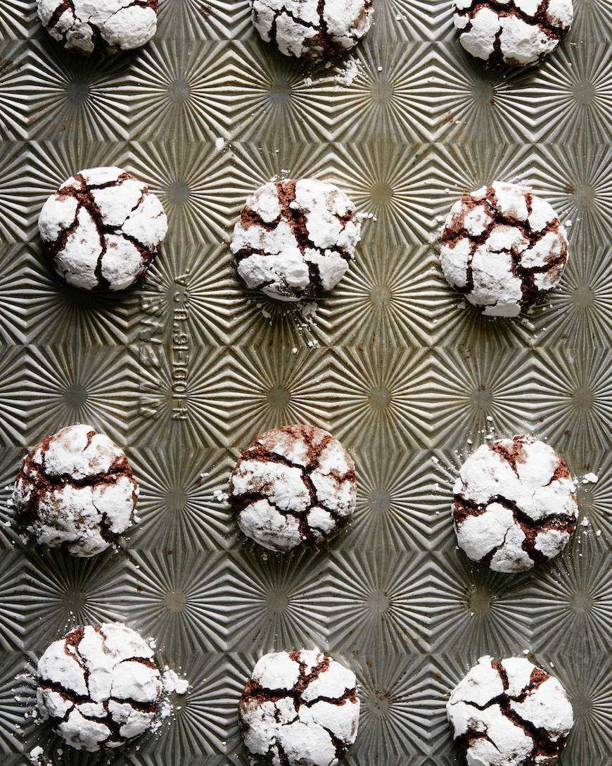 Chocolate Crinkle Cookies from www.whatsgabycooking.com (@whatsgabycookin)