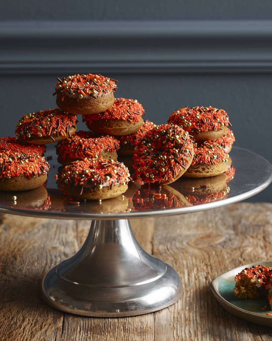 Spiced Pumpkin Donuts from www.whatsgabycooking.com (@whatsgabycookin)