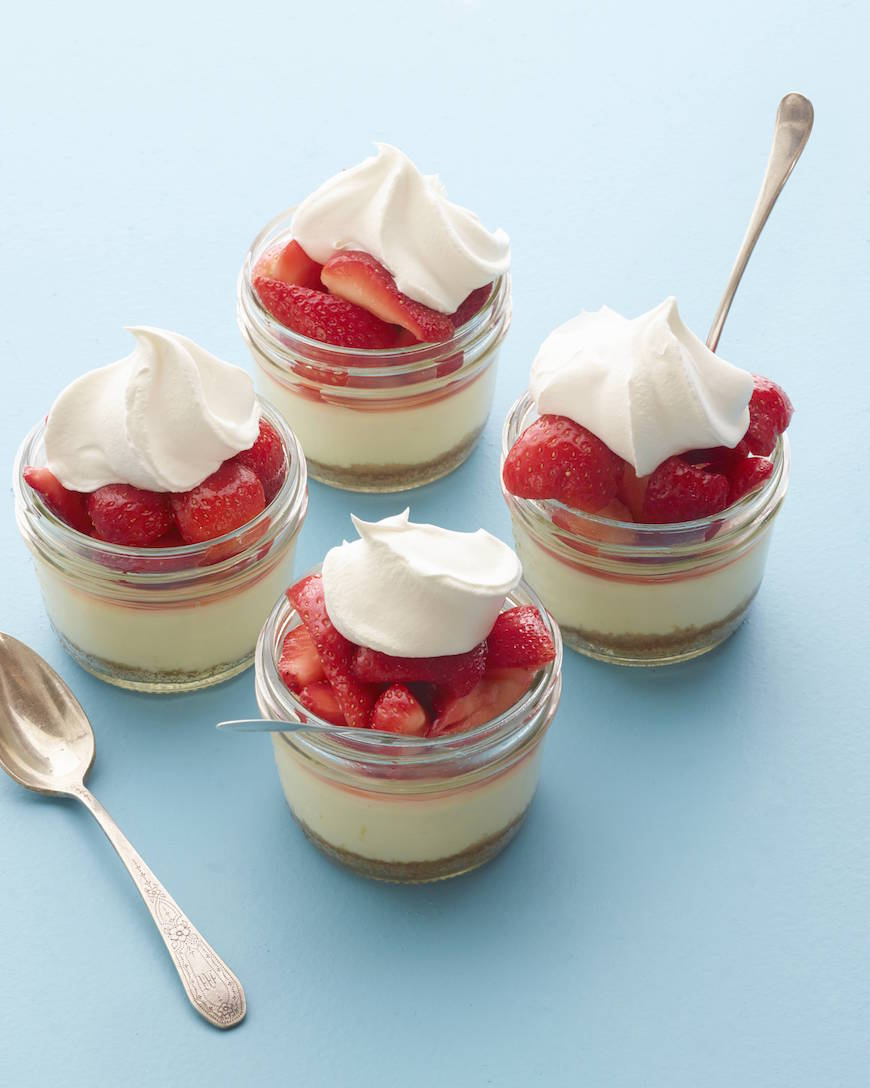 Mini Strawberry Cheesecakes!!