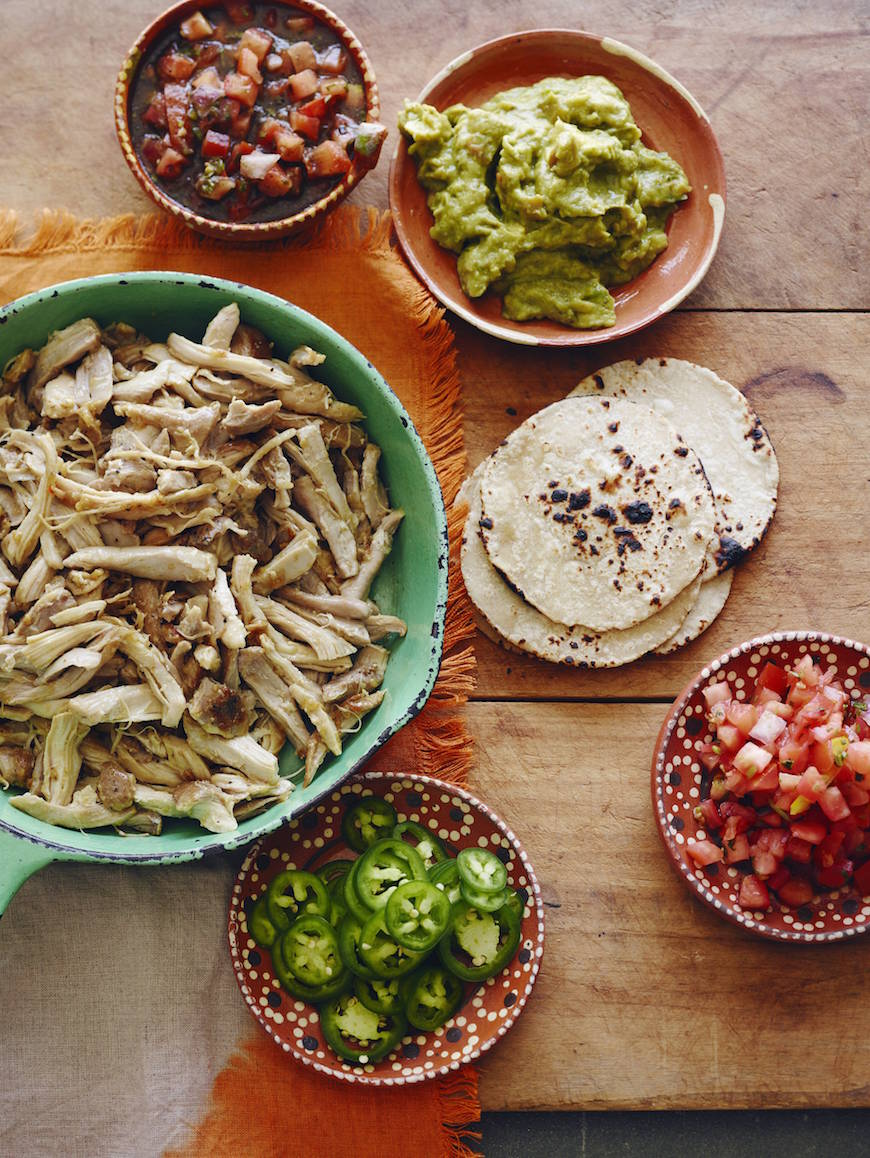 Easy Mexican Shredded Chicken {Verde!} from www.whatsgabycooking.com (@whatsgabycookin)