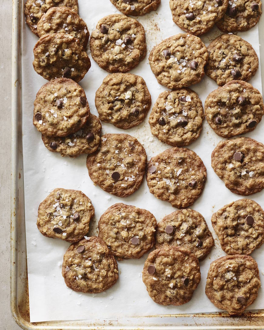 These Oatmeal Chocolate Chip Cookies pass all my cookie standards too ...