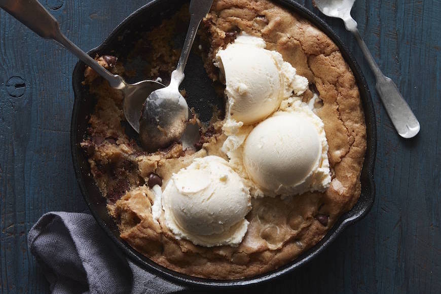 Pizzookie from www.whatsgabycooking.com (@whatsgabycookin)