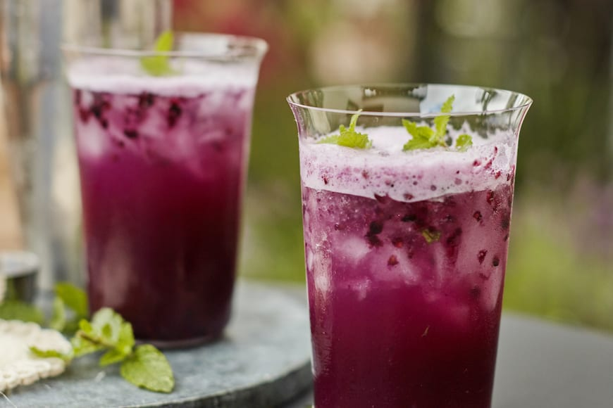 Blackberry Pineapple Smash from www.whatsgabycooking.com (@whatsgabycookin)