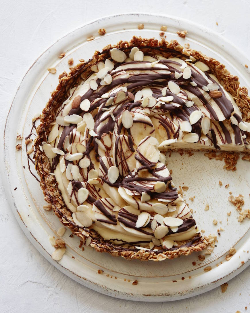 Chocolate Banana Cream Tart from www.whatsgabycooking.com (@whatsgabycookin)