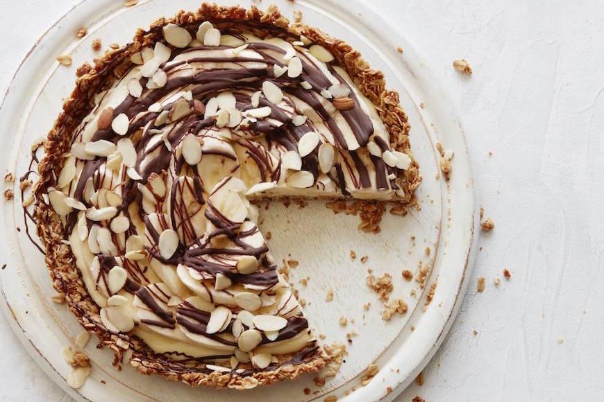 Banana Chocolate Cream Tart from www.whatsgabycooking.com (@whatsgabycookin)