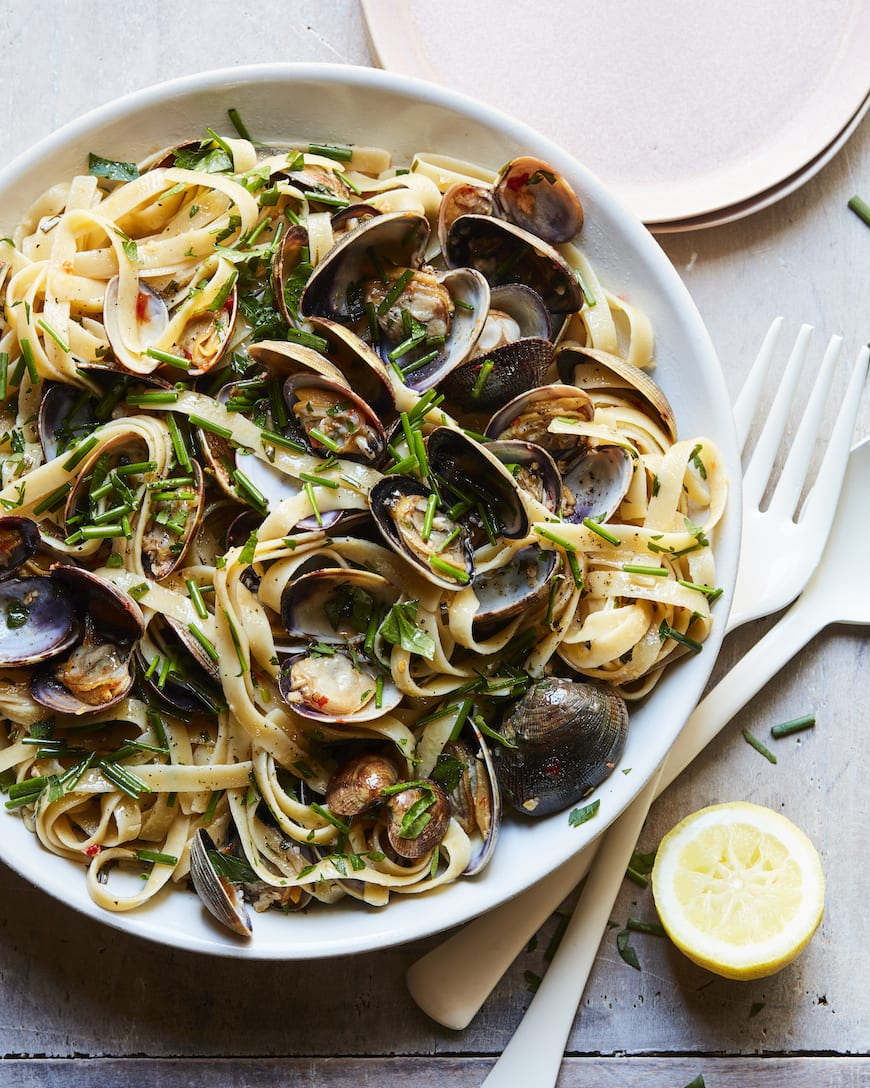 Linguini with Clams from whatsgabycooking.com (@whatsgabycookin)