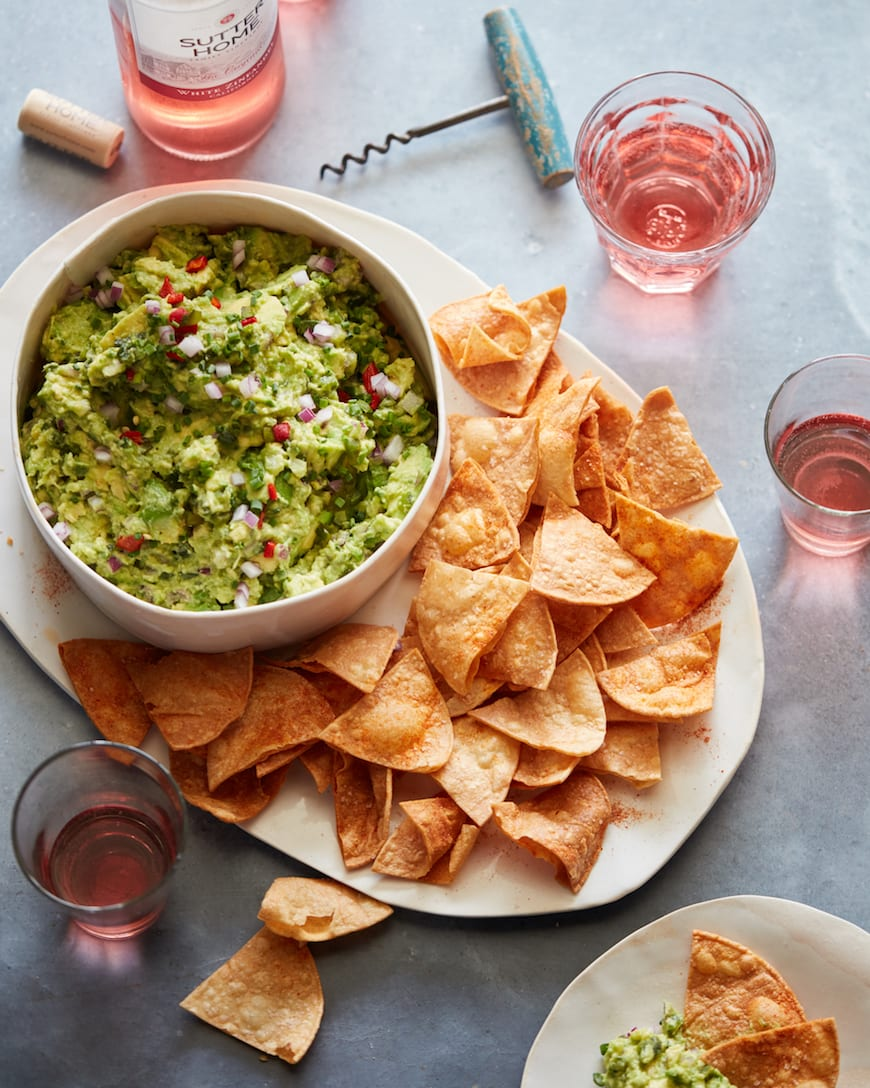 Roasted Chili Pepper Guacamole from www.whatsgabycooking.com (@whatsgabycookin)
