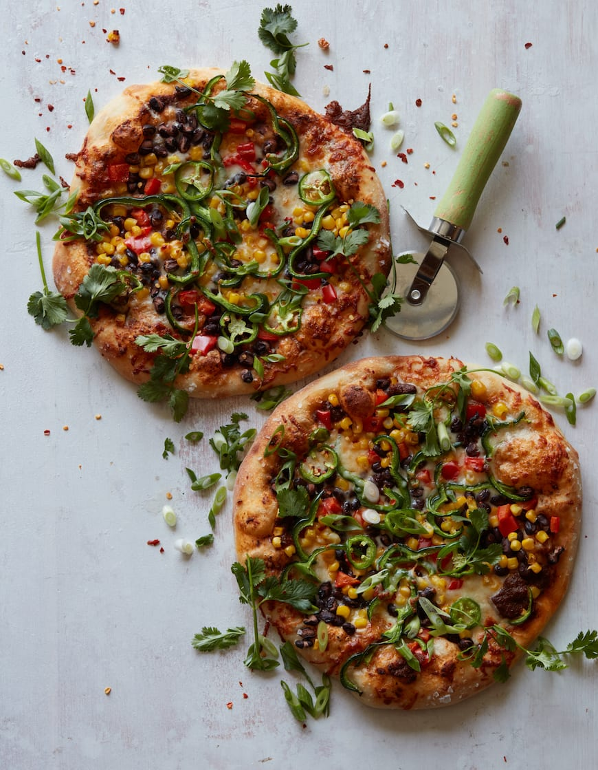 Southwestern Taco Pizza from www.whatsgabycooking.com (@whatsgabycookin)