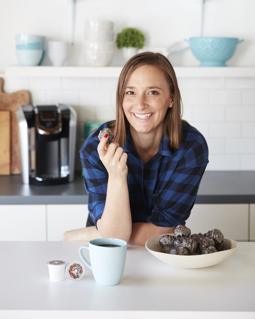 Glazed Chocolate Donut Holes from www.whatsgabycooking.com (@whatsgabycookin)