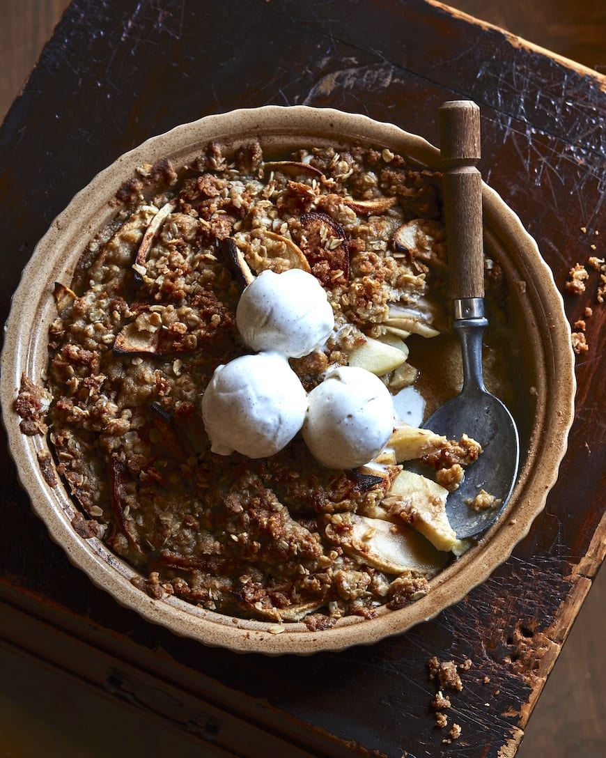 Mom's Famous Apple Crisp from www.whatsgabycooking.com (@whatsgabycookin)