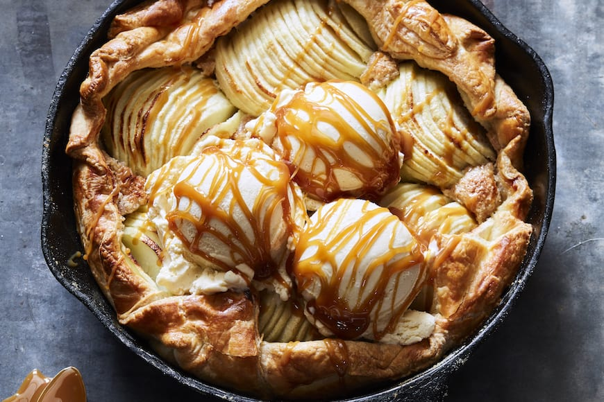 Puff Pastry Apple Galette from www.whatsgabycooking.com (@whatsgabycookin)