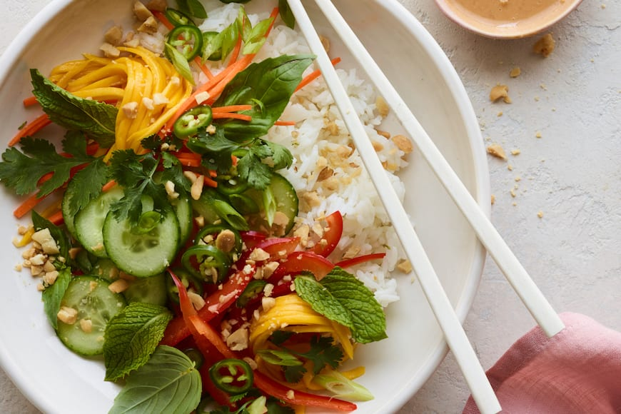 Veggie Spring Roll Bowl from www.whatsgabycooking.com (@whatsgabycookin)