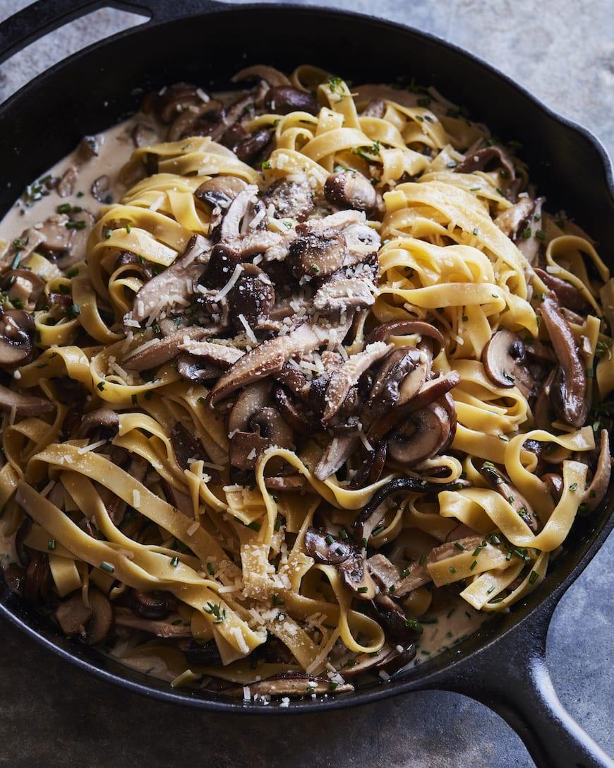 Creamy Mushroom Pasta from www.whatsgabycooking.com (@whatsgabycookin)