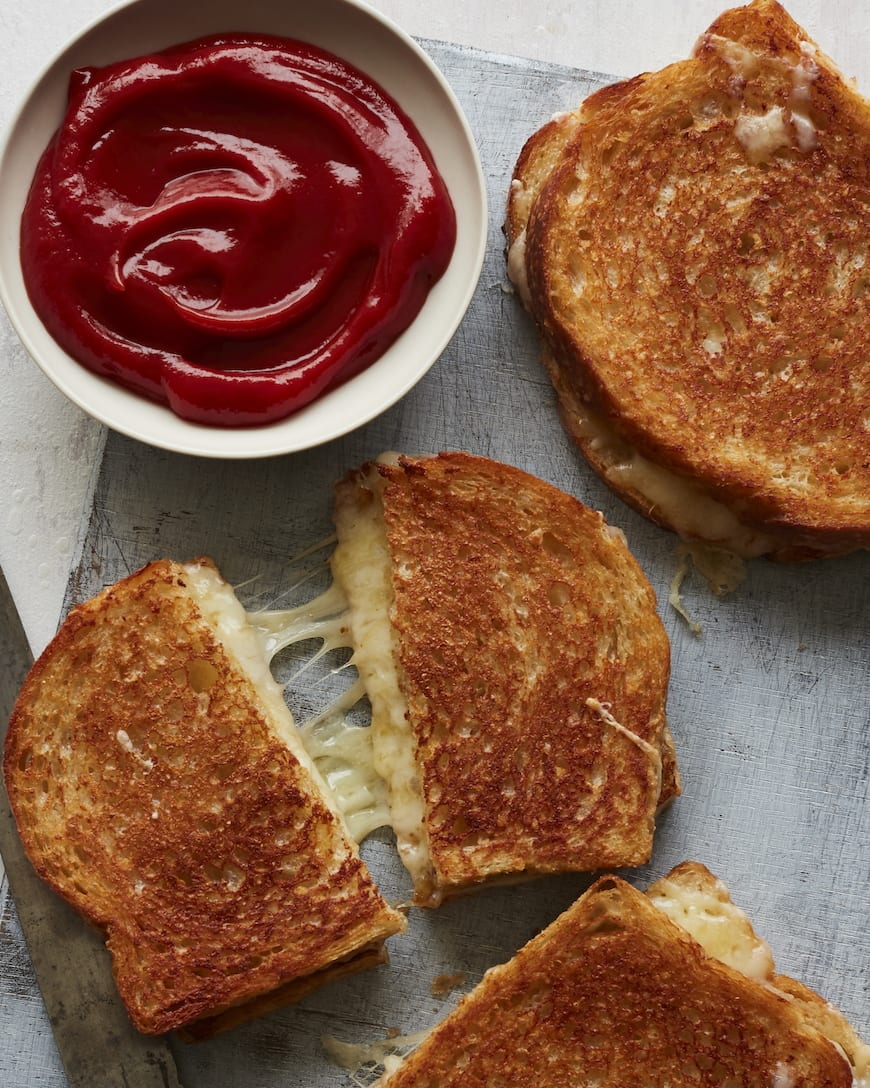 Cheesiest Grilled Cheese from www.whatsgabycooking.com (@whatsgabycookin)