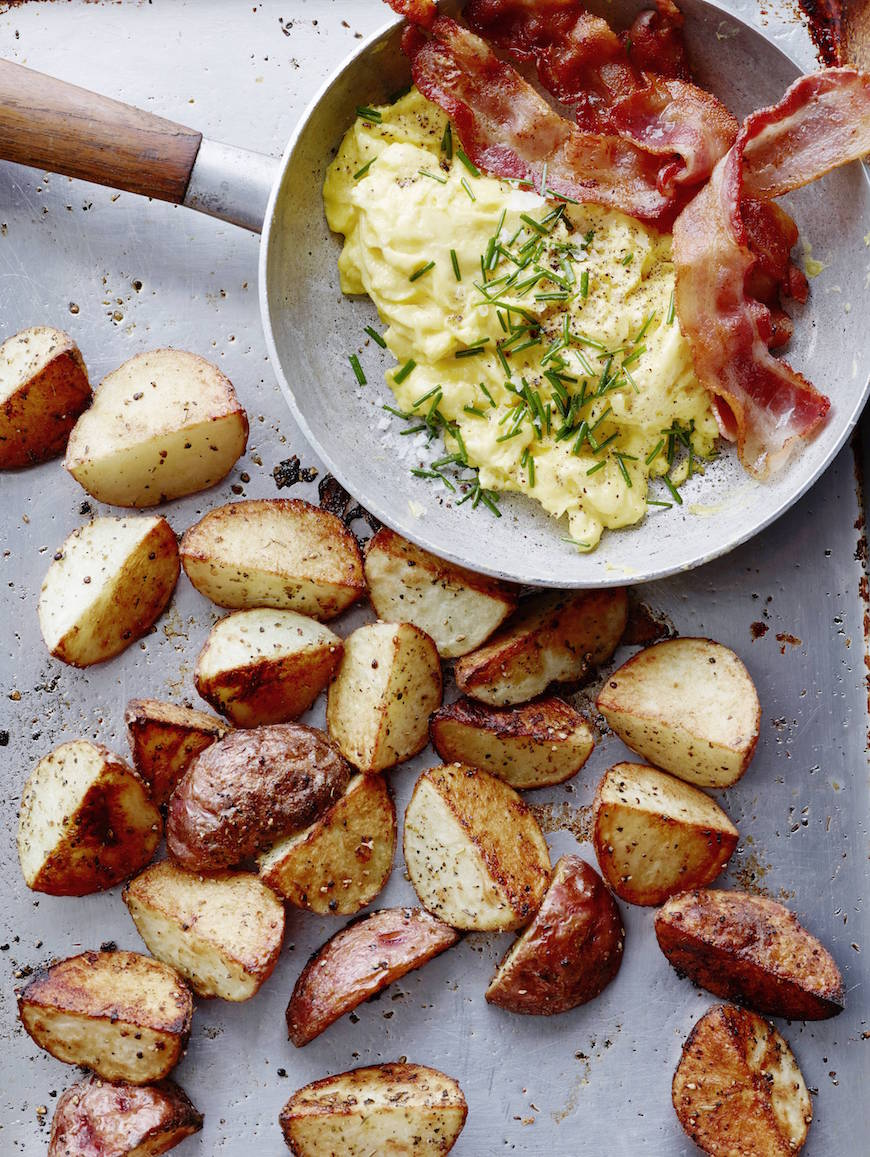 Breakfast Potatoes for a Mother's Day Brunch Menu from www.whatsgabycooking.com (@whatsgabycookin)