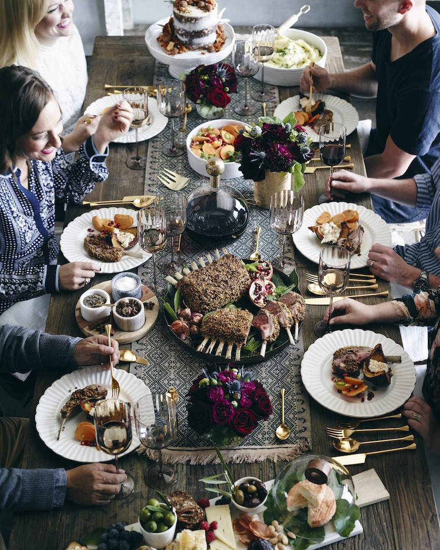 The Friendsgiving Menu to end all menus! Check out all the delicious recipes on www.whatsgabycooking.com (@whatsgabycookin)