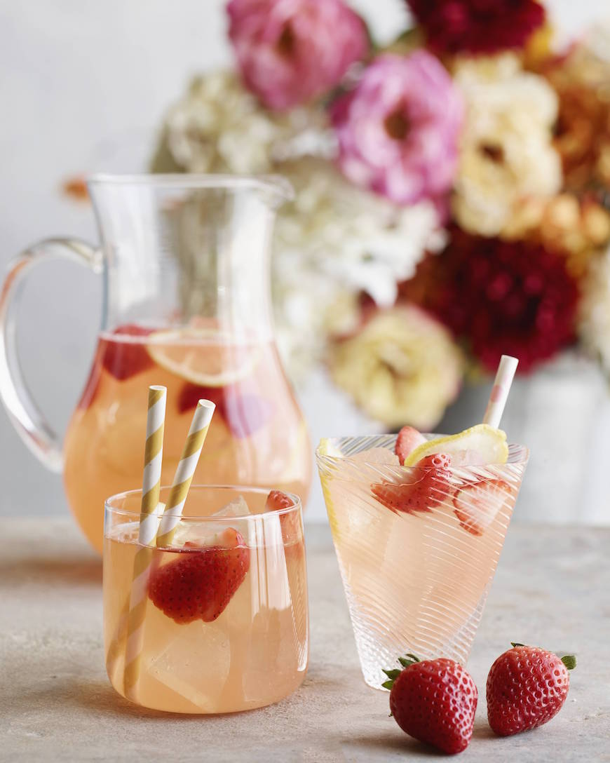 Spiked Pink Lemonade from www.whatsgabycooking.com It's the perfect thing to sip on this season! (@whatsgabycookin)