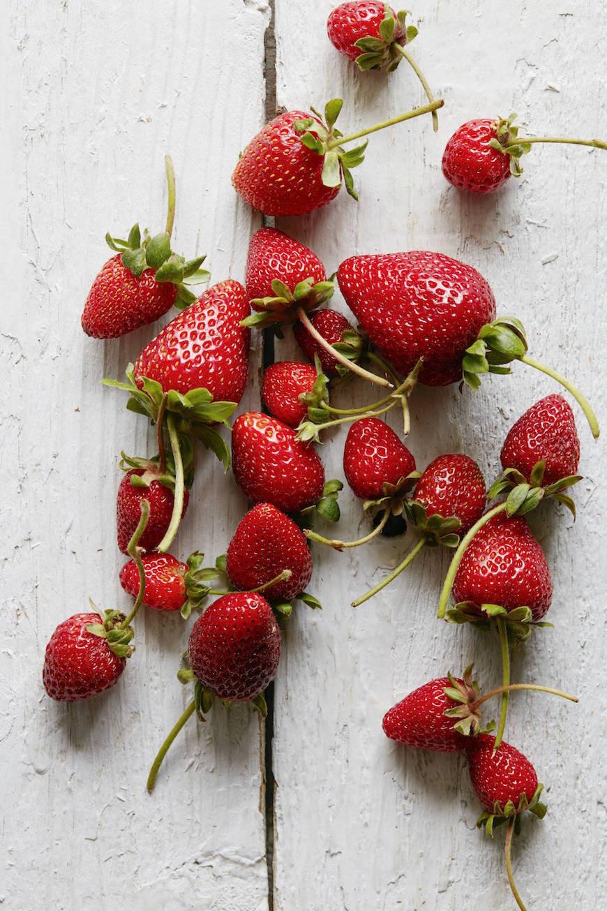 Strawberry Pie Prep from www.whatsgabycooking.com (@whatsgabycookin)