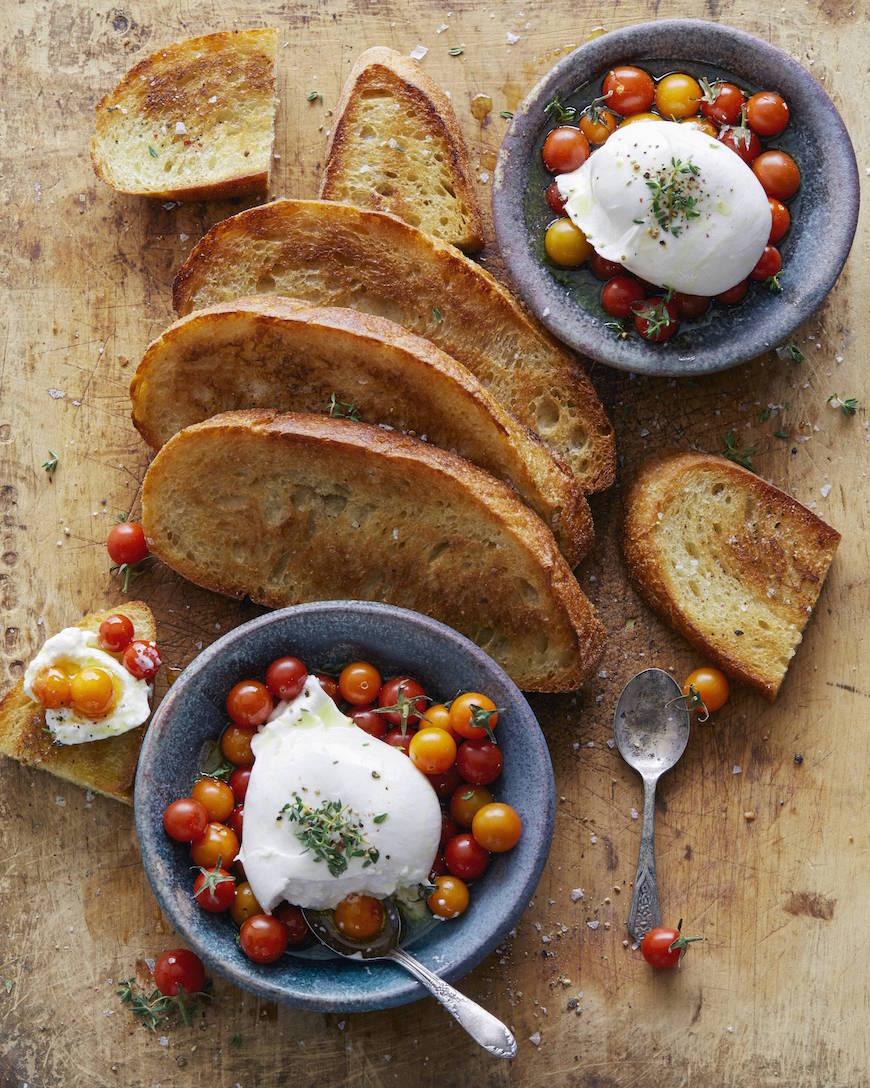 Burrata Tomato Toast from www.whatsgabycooking.com (@whatsgabycookin)